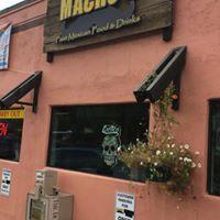 Macho's Fast Mexican Food & Drinks logo