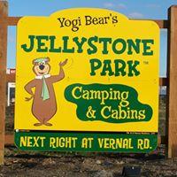 Jellystone Park Of The Black Canyon logo