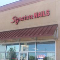 Signature Nails logo